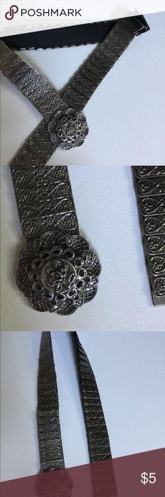 Metallic vintage chain belt This belt is vintage with interesting design Accessories Belts