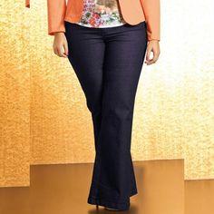 Copie o Look!   CALÇA FLARE PLUS SIZE JEANS  COMPRE AGORA!  http://imaginariodamulher.com.br/produto/calca-flare-plus-size-jeans/ #comprinhas#modafeminina#modafashion#tendencia#modaonline#moda#instamoda#lookfashion#blogdemoda#imaginariodamulher