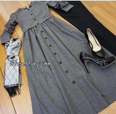Frock Fashion, Abaya Fashion, Skirt Fashion, Fashion Dresses, Stylish Hijab, Casual Hijab Outfit, Muslim Women Fashion, Girls Dresses Online, Kurti Designs Party Wear