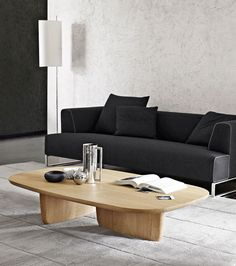 Coffee table / contemporary / oak / solid wood TOBI-ISHI B&B Italia