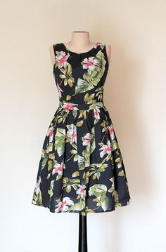 Hey, I found this really awesome Etsy listing at https://www.etsy.com/listing/201606211/green-black-floral-dress-day-dress