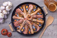 La Paella di marisco è una ricetta tradizionale della cucina spagnola, a base di riso e crostacei. Variante della Paella alla valenciana.