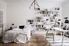 Spacious and open floorplan - via Coco Lapine Design