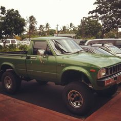 #Restore this!!!! 80's #Toyota truck. Nicely done. http://www.conicelliautoplex.com