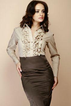 Beżowa koszula damska z falbanami