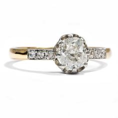 one of a kind... these diamonds are unique due to their cut!  Antiker 0,94 ct Diamant Solitär Altschliff in Gold & Platin Ring / Brillant