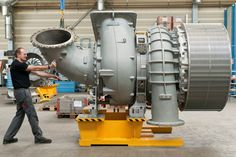 A very big Turbocharger, view 2