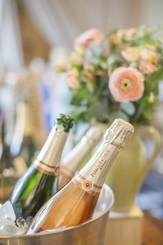 Champagne sipping = perfect bridesmaid gathering! Photography: Katie Parra Photography - katieparra.com  Read More: http://www.stylemepretty.com/2014/06/18/champagne-tasting-bridal-shower-inspiration/