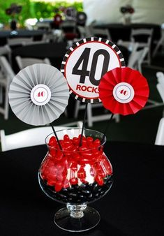 Easy birthday party centerpieces using jellybeans as the base with colorful mini round fans as toppers. 40th Party Ideas, 40th Bday Ideas, 30th Birthday Decorations, Birthday Party Centerpieces, 70th Birthday Parties, Man Birthday, Birthday Stuff, Table Centerpieces, Fète Casino