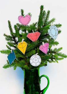 DIY 5 Minute Modern Gems Christmas Tree | #freebie #free #download #Christmas | hellohappystudio.com