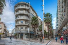 Pontevedra: The Spanish City that Banned Cars - Unusual Places Backpacking Spain, National Doctors Day, Spain Culture, National Puppy Day, World Water Day, Spain Holidays, Transportation Services, Best Cities, Spain Travel