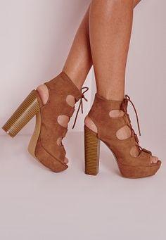 Sandales compensées marron à lacets façon 70's