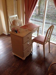 Minnie's beauty nail station