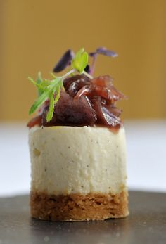 Goats Cheesecake with Red Onion Jam. Savoury goats' cheesecake features a tangy red onion jam. Savory Cheesecake, Cheesecake Recipes, Canapes Recipes, Appetizer Recipes, Catering Recipes, Catering Ideas, Party Recipes, Kitchen Gourmet, Gourmet Desserts