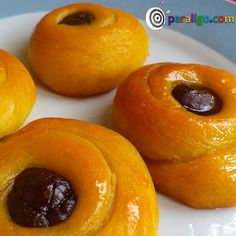 Roxakia eykolakia 1 Greek Sweets, Greek Desserts, Greek Recipes, Cake Recipes, Dessert Recipes, Hazelnut Cake, Pastry Cake, Canning Recipes, What To Cook