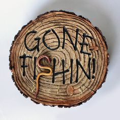 Gone Fishing Key Hook Wall Decor, Man Cave, Organizing, Western Home Decor, Wall… - Home Decor Ideas Western Style, Western Decor, Country Decor, Custom Woodworking, Woodworking Projects Plans, Popular Woodworking, Woodworking Videos, Gone Fishing, Fishing Tips