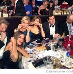 The Modern Family's reaction to not winning a Golden Globe.