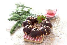 En Navidades no puede faltar en la mesa un roscón de reyes con chocolate, con un glaseado espejo para que tu roscón brille como nunca. Receta con Thermomix.