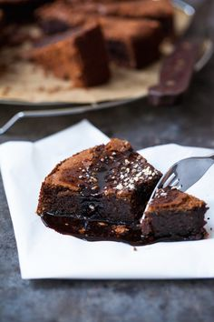 Flourless chocolate espresso cake with a silky espresso and cacao glaze, oh my. Super simple to make and the whole family will love it. Soft, moist and incredibly rich in flavor. | jernejkitchen.com