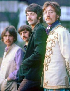 The Beatles, Photo Shoot At The Home Of Ringo Starr In Sunny Heights, Weybridge, London, February Photo by Henry Grossman Foto Beatles, Beatles Love, Les Beatles, Beatles Photos, Hello Beatles, Beatles Funny, Beatles Albums, Beatles Art, Ringo Starr