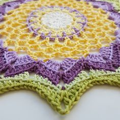 This pattern is written in US terms. SPRINGFLOWER MANDALA SIZE: ca 22 cm YARN: Scheepjes Catona 100% cotton. Colour nr  130, 403, 520, 240, 392, 512 HOOK: 3,0 mm YOU WILL NEED: Scissor and tapestry…