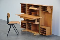 wildoute:    Mummenthaler and Meier | desk in a box | 1950