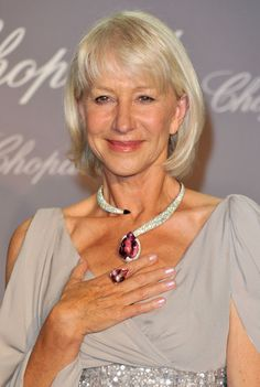 Helen Mirren Diamond Collar Necklace - Actress Helen Mirren showed off her decadent jewelry while attending the Chopard Trophy event in Cannes.