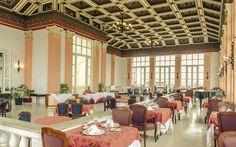 El Sevilla, uno de los hoteles más antiguos de la Habana (cumplirá 100 años en marzo de 2008), tiene muchas historias que contar y disfruta de más de un privilegio.
