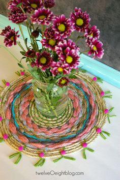 This diy could be done using an embroidery hoop as your frame/loom. DIY woven boho tapestry via: twelveOeightblog.com #twelveOeightblog