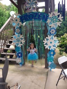 Frozen arbor with shimmer backdrop added. The wow factor in the birthday party! Tip- use LOTS of glitter! Handmade by Holly D. More from my sitePink and Gold Glitter Elsa Birthday Party, Frozen Birthday Theme, Frozen Themed Birthday Party, 4th Birthday Parties, Birthday Party Decorations, 5th Birthday, Birthday Ideas, Olaf Party, Disney Frozen Party