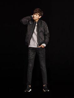 Lee Kwang Soo and Nara (Hello Venus) have been chosen to show the F/W 2016 collection for brand Buckaroo. Running Man Cast, Running Man Korean, Korean Star, Korean Men, Korean Celebrities, Korean Actors, Kwang Soo, Korean Entertainment, Stuff And Thangs