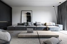 Minimalist Living Room Tv is unquestionably important for your home. Whether you. Home Living Room, Interior Design Living Room, Living Room Designs, Living Room Decor, Interior Livingroom, Apartment Living, Casa Kardashian, High Ceiling Living Room, Sala Grande
