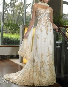 Gold and white wedding dress How beautiful is this?