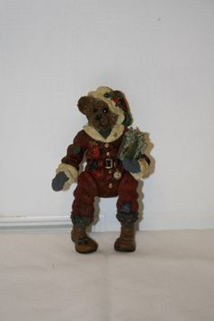 """Boyd's 'Santa' figurine with movable limbs measures approx: 5.5"""" x 3 1/4""""  x 1.5"""" ed/#/pc 8E/3839 **the rubber bands have been replaced** $12.50"""