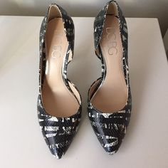 AM ORDER SHIPS TODAY: BCBG Pump NWOT. Offers welcome *no trades* BCBG Shoes Heels