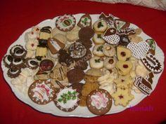 Christmas Cookies, Food, Xmas Cookies, Christmas Crack, Christmas Biscuits, Essen, Christmas Desserts, Meals, Yemek
