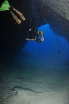 Mergulho Caverna da Sapata, Fernando de Noronha, Brasil... 20/06/2014 #diving…