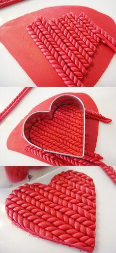 faux knit.: