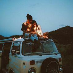 Przeprowadzka do mojego brata coś co ratuje mi życie. Z nimi nie da r… #fikcjadlanastolatków # Fikcja dla Nastolatków # amreading # books # wattpad Vw T1 Camper, Kombi Motorhome, Vw Bus, Campervan, Vw Camping, Camping Life, Glamping, Kayak, Photos Voyages