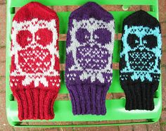 Koti kuusen alla: Muutama sananen kirjoneuleen tekemisestä Socks, Winter, Fashion, Winter Time, Moda, Fashion Styles, Sock, Stockings, Fashion Illustrations