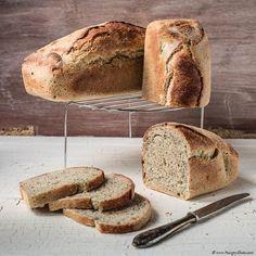 Poppy seeds spelt bread | Hungry Shots
