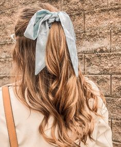 Endless Ways To Style Pretty Hair Accessories – Hair Clips, Scarf, Pin - Hair and Beauty eye makeup Ideas To Try - Nail Art Design Ideas Scarf Hairstyles, Pretty Hairstyles, Braided Hairstyles, Country Girl Hairstyles, Half Up Hairstyles, College Hairstyles, Black Hairstyle, Baddie Hairstyles, Hairstyles Videos