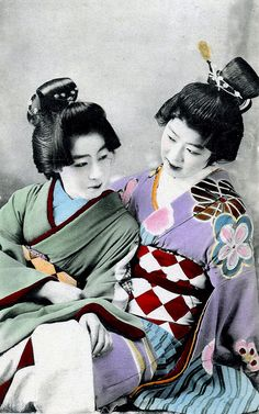 Genroku style came into fashion amongst Tokyo Geisha around 1905, in imitation of the dress and hairstyles that were in vogue during the Genroku period (1688 – 1703).