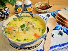 ciorba-a-la-grec-din-pui-fraged-de-curte-7 Chicken And Yellow Rice, Cheeseburger Chowder, Food And Drink, Cooking Recipes, Soups, Greece, Chef Recipes, Soup