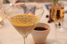 Panna cotta med pasjonsfrukt Grand Marnier, Dessert Recipes, Desserts, Ricotta, Catering, Panna Cotta, Goodies, Pudding, Food