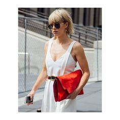 Lisa Dengler from Just-another-fashion-blog wears TUPIT. A reduced take on the classic aviator sunglasses by MYKITA LITE. my-k.it/tupitsun