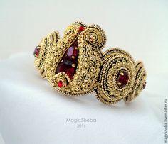 Купить Комплект браслет и серьги, вышитые золотом Гранат - золотой, золотой браслет, вышитый браслет