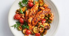 Searching for healthy meal prep recipe ideas? This low-cal one-pan chicken and beans dish ticks all the right boxes. Searching for healthy meal prep recipe ideas? This low-cal one-pan chicken and beans dish ticks all the right boxes. Healthy Meal Prep, Easy Healthy Dinners, Healthy Dinner Recipes, Healthy Eating, Cooking Recipes, Healthy Food, Cooking Hacks, Batch Cooking, Savoury Recipes