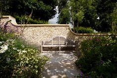 Since we have established a reputation for creating gardens that combine strong architectural landscaping with richly planted spaces. Modern Farmhouse Porch, Farmhouse Garden, Modern Farmhouse Kitchens, Chillout Zone, Girls Bedroom Wallpaper, Farmhouse Wallpaper, Back Garden Design, Farmhouse Architecture, Scale Design