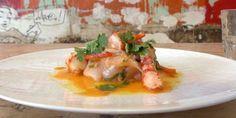 A base de poissons marinés, le « ceviche » est un plat d'Amérique latine. Le chef colombien Pablo Naranjo dévoile comment le cuisiner avec du lieu jaune et des gambas.